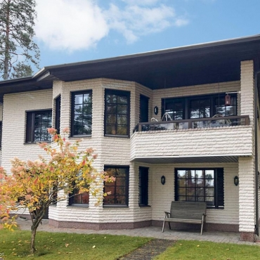 SOVI ENSIESITTELY! Onnintie 7 A, 15540 Lahti | 206 m² – 4h,k,kph,vh,wc(x2),s,p,terassi | 320.000 €